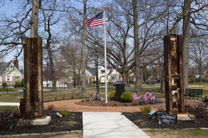 11 september gedenkteken met kolommen van World Trade Centerplaats in het Oosten Rockaway royalty-vrije stock afbeeldingen