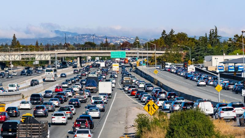 September 9, 2019 Mountain / View / CA / USA - Heavy morning traffic on Highway 101 going through Silicon Valley, South San royalty free stock photos