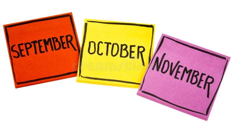 Download September, Oktober Und November Auf Klebrigen Anmerkungen Stockfoto - Bild von fahne, zeit: 96928574