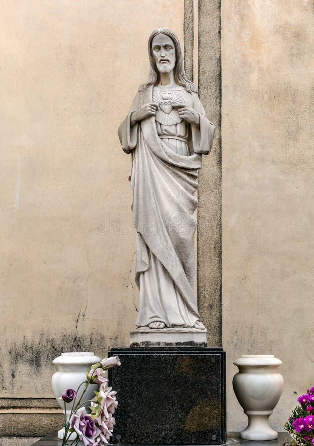 Sepulcraal cijfer van Jesus op graf in Poblenou-Begraafplaats stock fotografie
