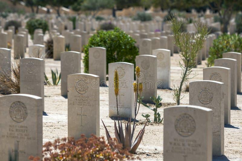 Sepulcros de la guerra de la Commonwealth en el cementerio de la guerra de El Alamein en Alamein en Egipto imagenes de archivo