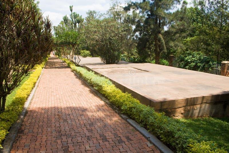 Sepulcros del centro del monumento del genocidio de Kigali imágenes de archivo libres de regalías
