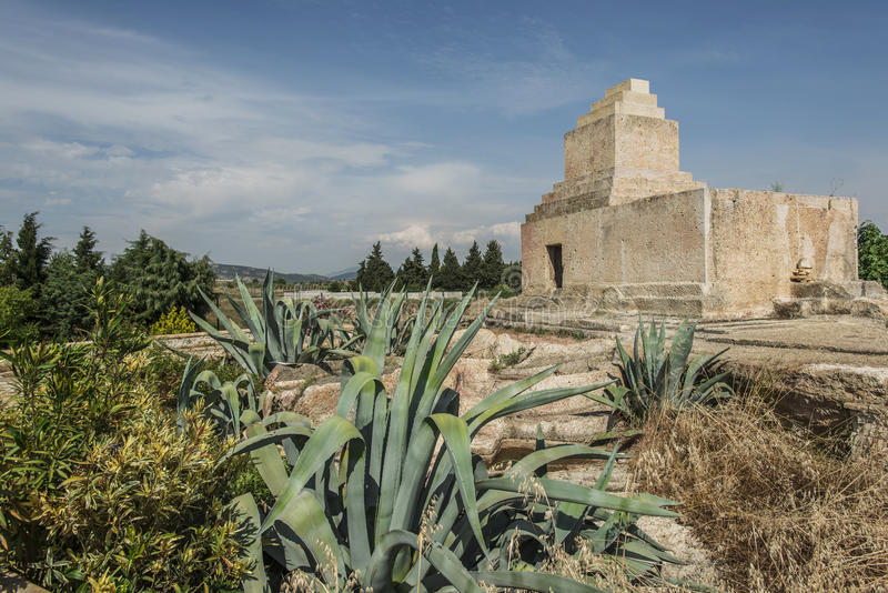 Sepultura monumental persa, izmir foto de stock royalty free