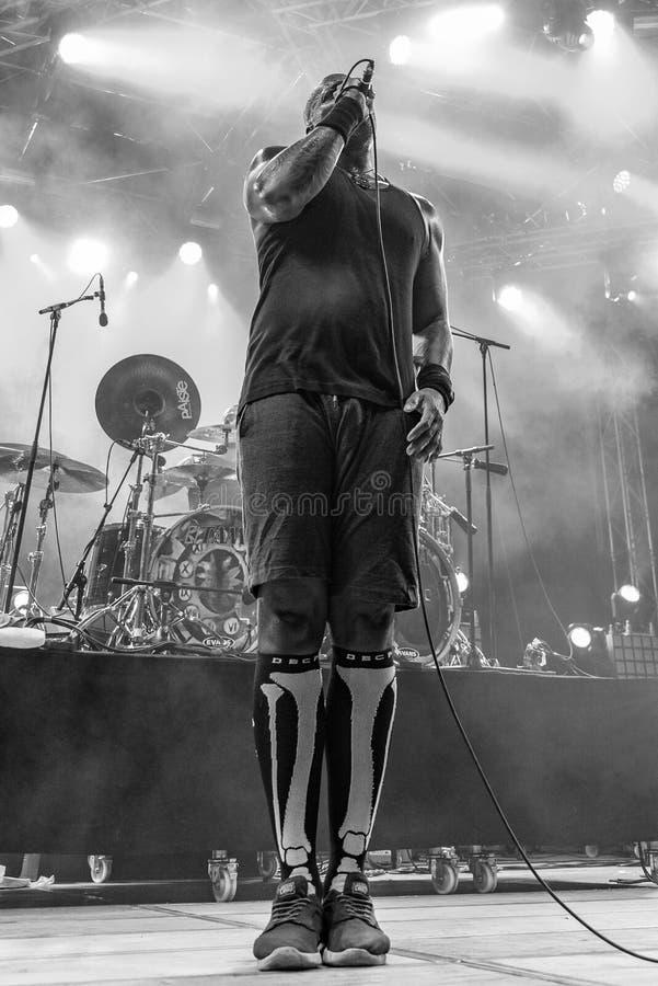 Sepultura på metall för nödläget 2018 royaltyfria bilder