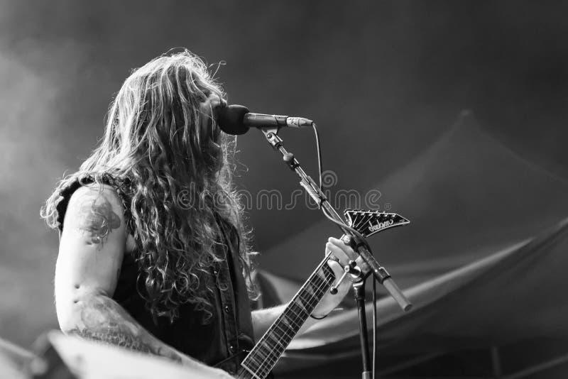 Sepultura på metall för nödläget 2018 royaltyfria foton