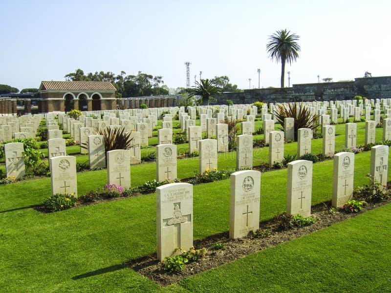Sepulturas britânicas da guerra no cemitério de Anzio, soth de Roma, Itália imagens de stock royalty free