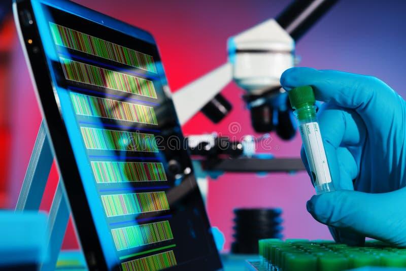 Download Seqüência do ADN foto de stock. Imagem de genetic, vermelho - 26521680