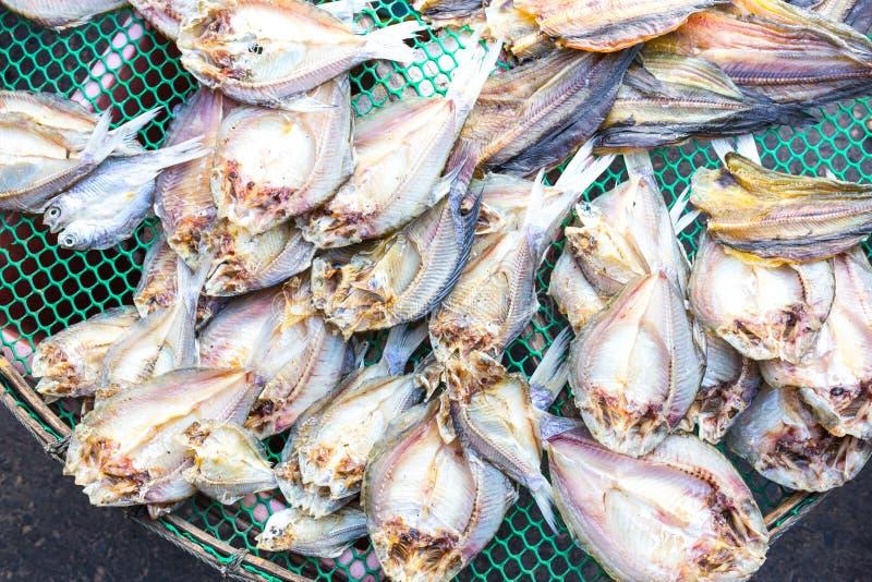 Sequedad salada tradicional de los pescados fotografía de archivo libre de regalías