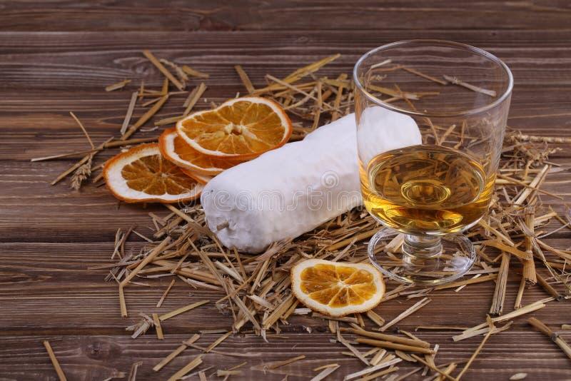 Ser de z pomarańczami i winem zdjęcie stock