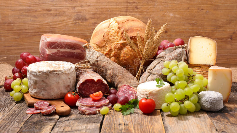 Ser, salami i chleb, fotografia stock