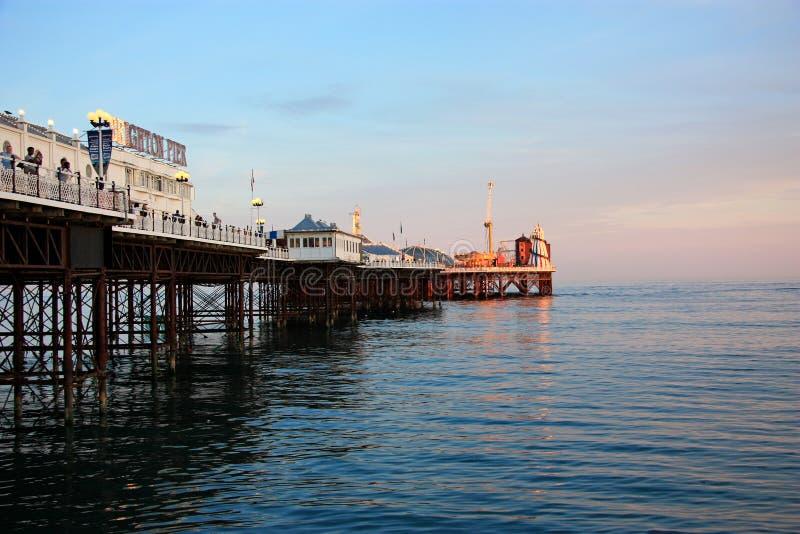 Sera del pilastro di Brighton fotografia stock libera da diritti