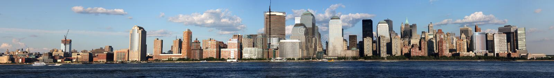 Sera dell'orizzonte del centro di New York City immagine stock