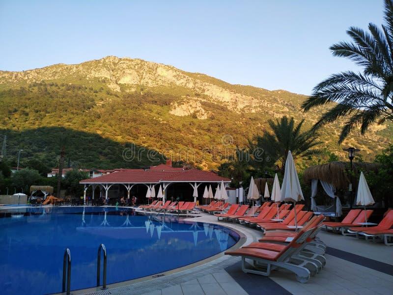 Sera di estate nell'hotel fotografie stock libere da diritti