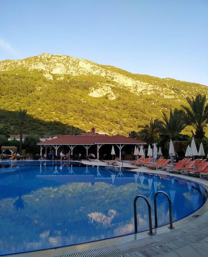 Sera di estate nell'hotel fotografia stock libera da diritti