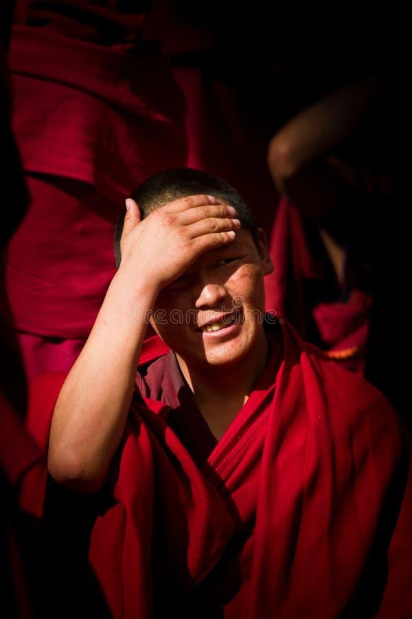 Sera Monastery ung debattera munk Lhasa Tibet arkivbild
