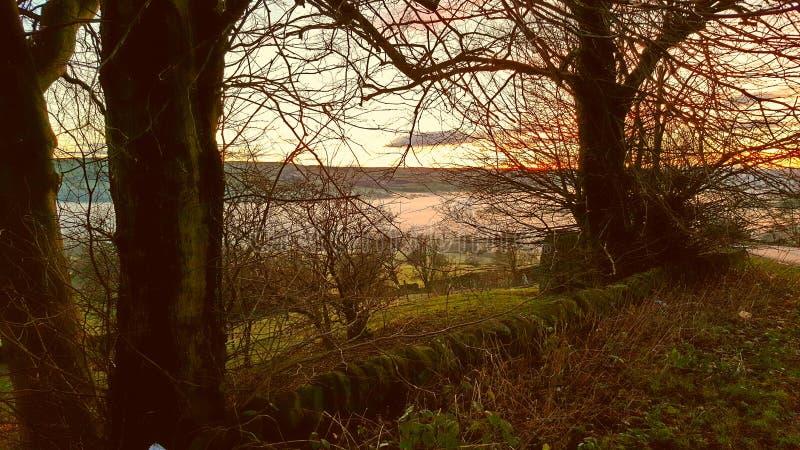 Sera nebbiosa sopra Wolsingham immagine stock libera da diritti