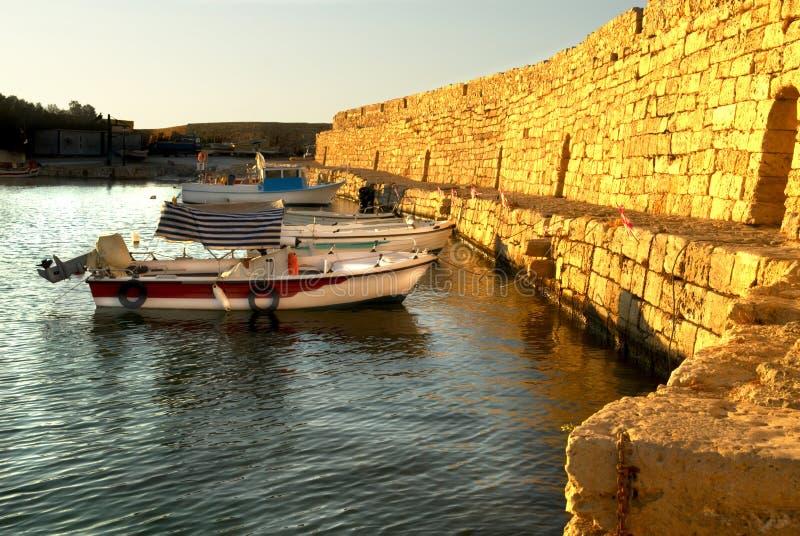 Sera nel porto di Rethymno fotografia stock