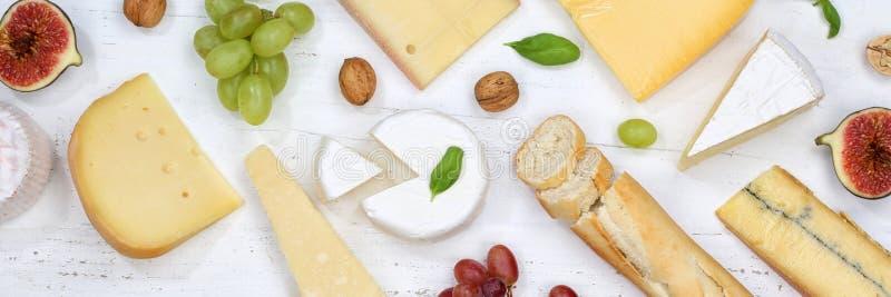 Sera półmiska talerza Camembert deskowego Szwajcarskiego chlebowego sztandaru odgórny widok obrazy stock