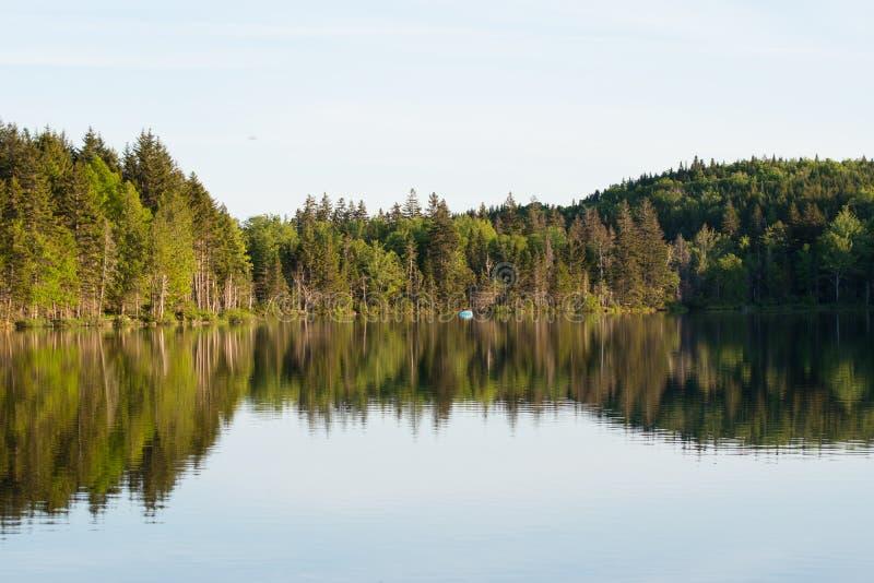 Sera sul lago immagini stock libere da diritti