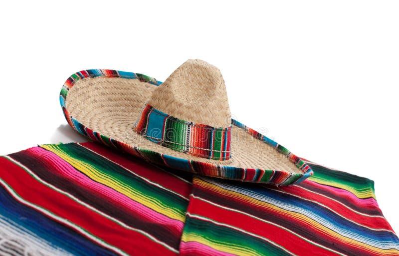 Serape i sombrero na biały tle fotografia stock