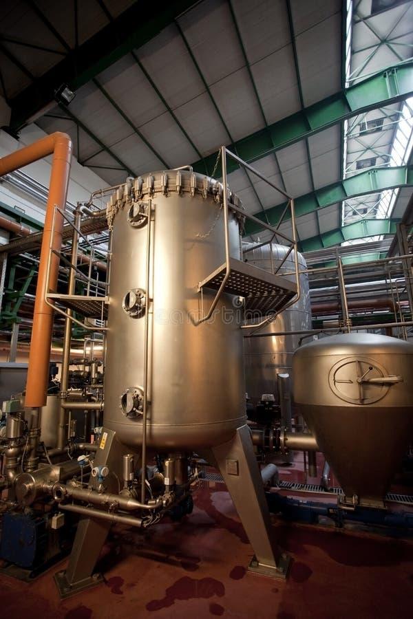 Serbatoi di fermentaion della birra fotografie stock libere da diritti