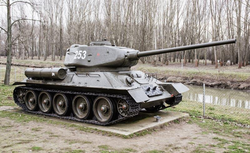 Serbatoio sovietico T-34-85 della seconda guerra mondiale fotografie stock libere da diritti