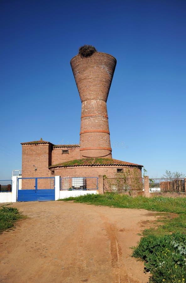 Serbatoio verticale per l'approvvigionamento di acqua potabile a Torremejia, Spagna fotografia stock libera da diritti
