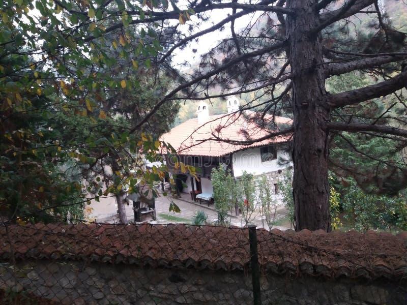 Serbisk kloster Nikolje royaltyfri fotografi