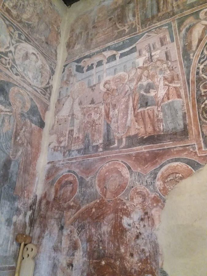 Serbisk kloster Nikolje i den Ovcar - Kablar kanjonen royaltyfria foton