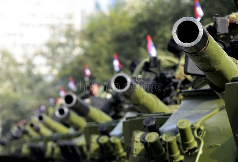 Serbiska armébehållare royaltyfria foton