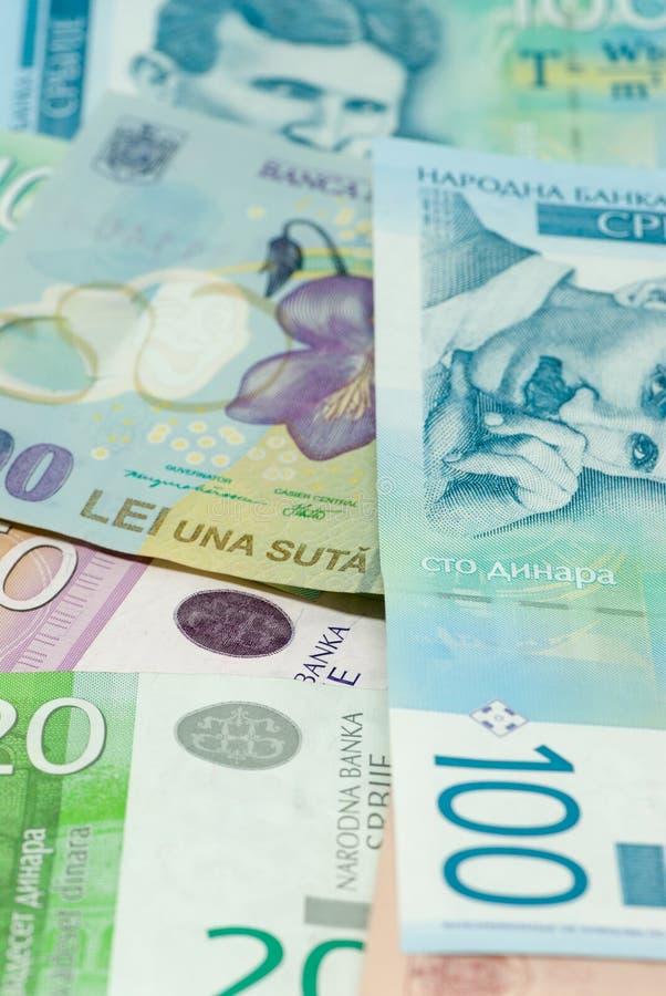 Serbiska dinar och handeln för kommers för romanian leisedelspridning den bilaterala utbyter begrepp arkivfoto