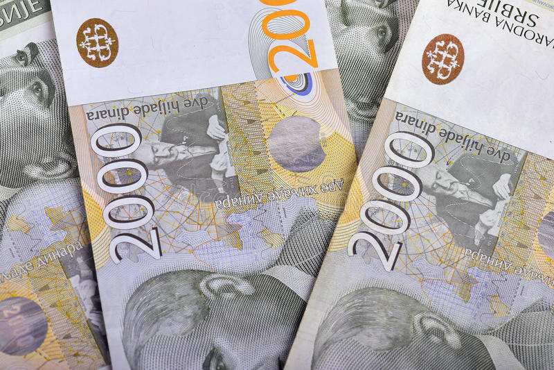 Serbiska pengar - 2000 dinar arkivfoton
