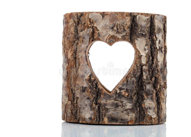 Serce ciący w dudniącym drzewnym bagażniku fotografia royalty free