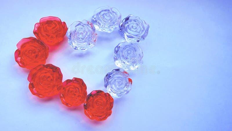 Serce czerwone i przejrzyste róże zdjęcie royalty free