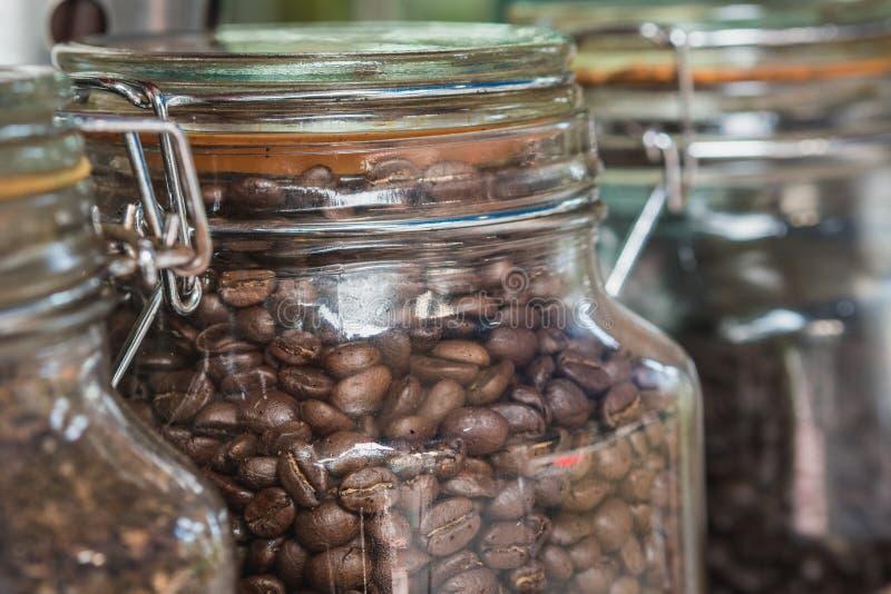 Serce kawa jest płacić uwagę wybór surowe kawowe fasole robić dobrej kawie To jest arcydzieła sztuka obrazy royalty free