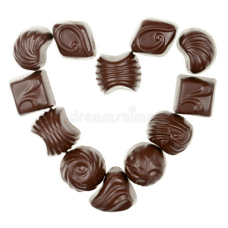 Serce od czekoladowych cukierków zdjęcia stock