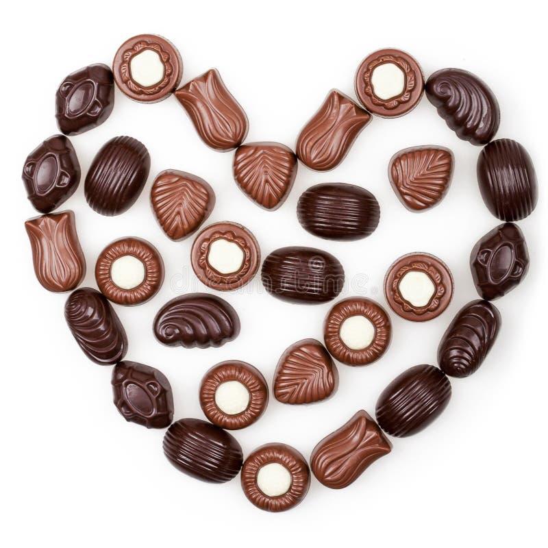 Serce od czekoladowych cukierków fotografia royalty free