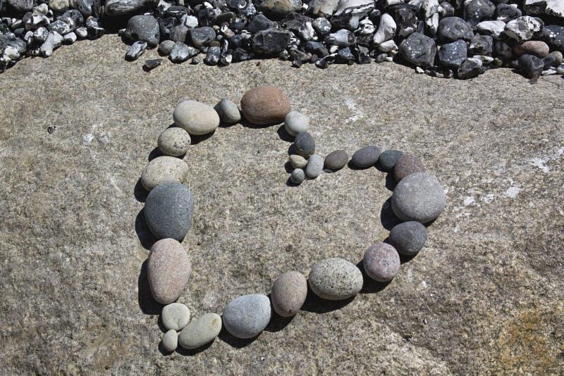 Serce otoczak Na A skale zdjęcie royalty free