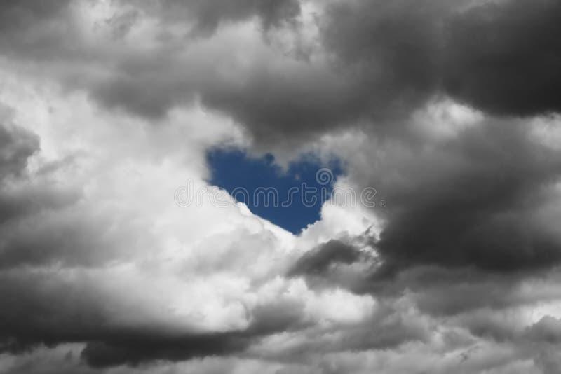Serce w niebie obrazy stock