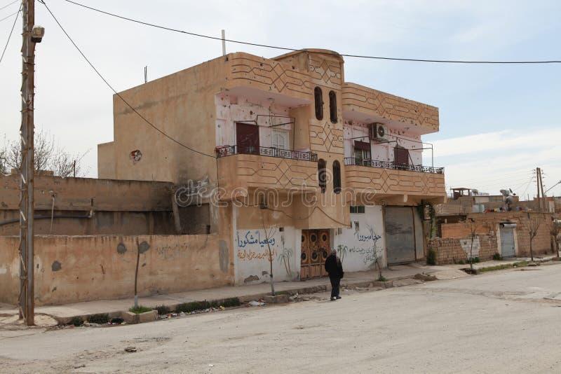 Download SYRISCHE ARMEE BOMBARDIERTES SEREKANIYE. Redaktionelles Bild    Bild: 30137090