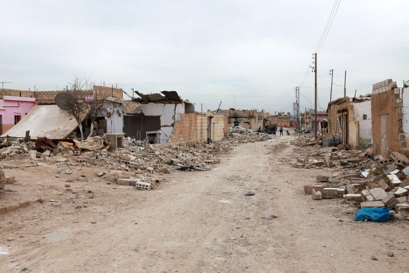 Download SYRISCHE ARMEE BOMBARDIERTES SEREKANIYE (RAS AL AYN).  Redaktionelles Bild   Bild: