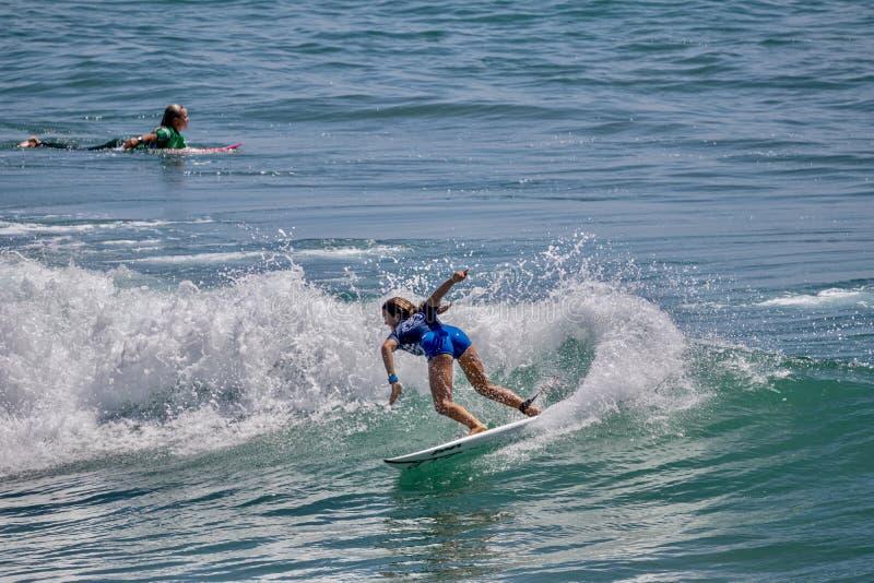 Serena Nava surfant dans l'US Open de fourgons de surfer 2019 images libres de droits