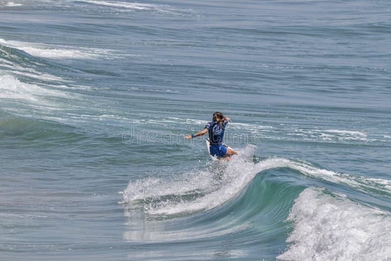 Serena Nava surfing w samochodów dostawczych us open surfing 2019 zdjęcia royalty free