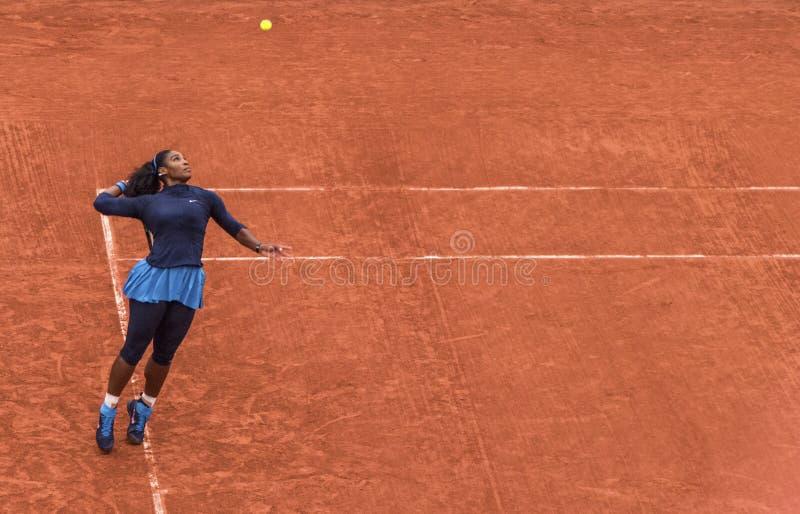 Serena Williams bei Roland Garros lizenzfreie stockbilder