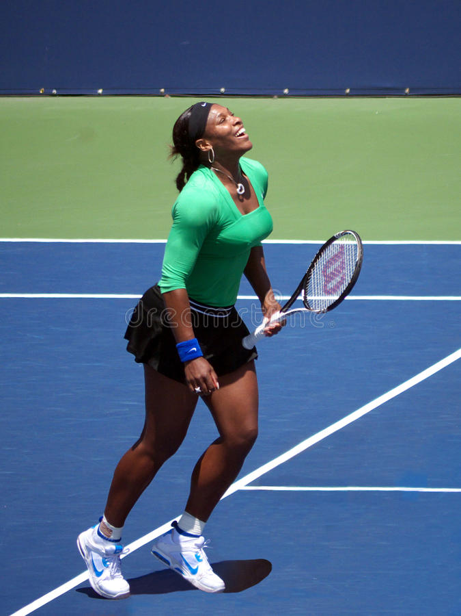 Serena Williams gewinnt Querneigung des Westens stockbilder