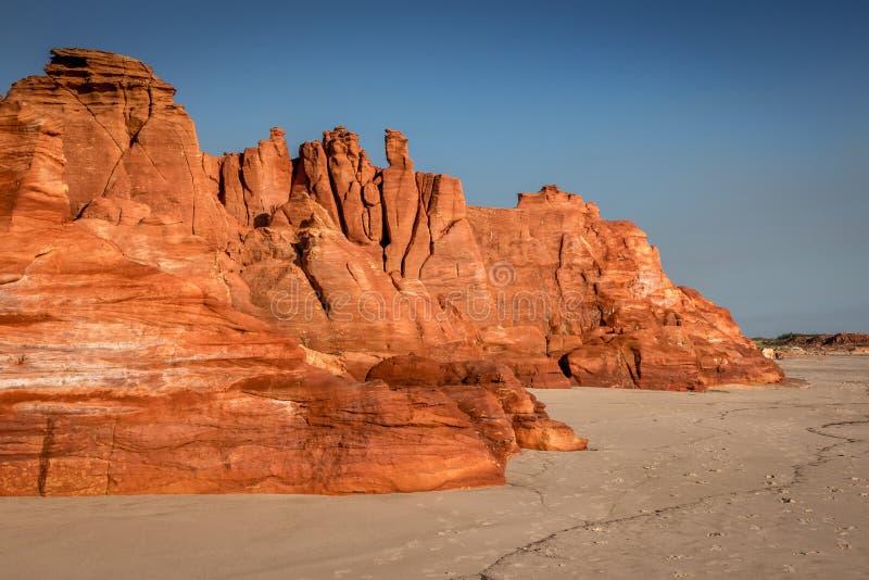Serene Red Cliffs i västra Australien arkivfoton