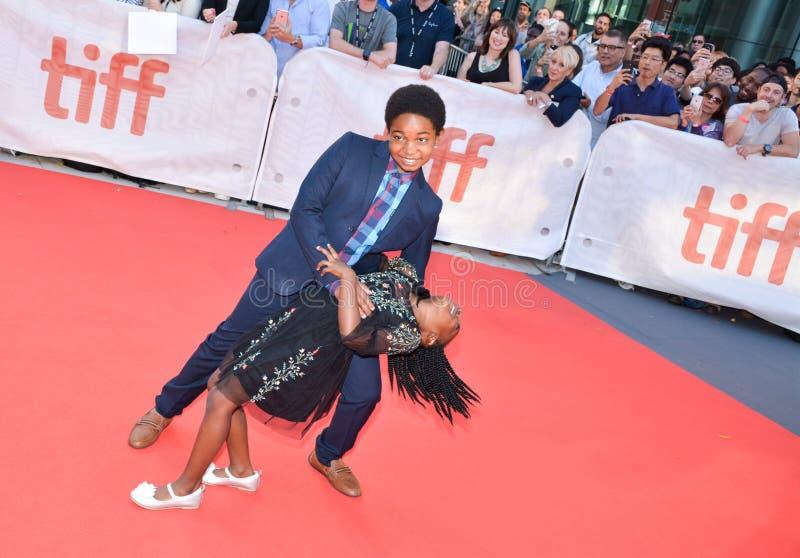 Serenety Brown und Isaac Brown am internationalen Filmfestival Torontos für KÖNIGE führen erstauf lizenzfreies stockbild