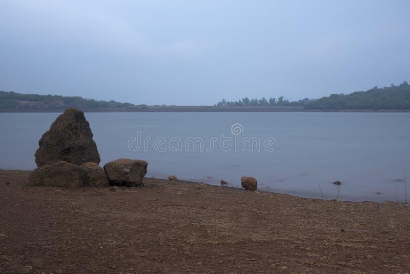 Serenitet av sjön fotografering för bildbyråer