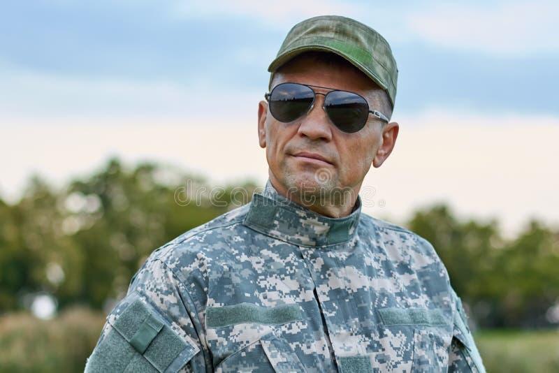 Sergeant in der Sonnenbrille stockbild