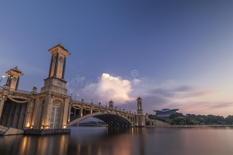 Seri Gemilang Bridge Putra Jaya arkivbild